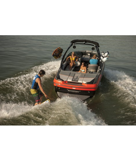 Wake Board Moomba Mondo rental board