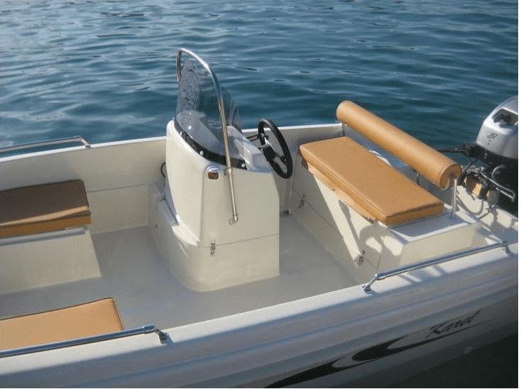 location de bateau sans permis karel open 450 mandelieu. Black Bedroom Furniture Sets. Home Design Ideas